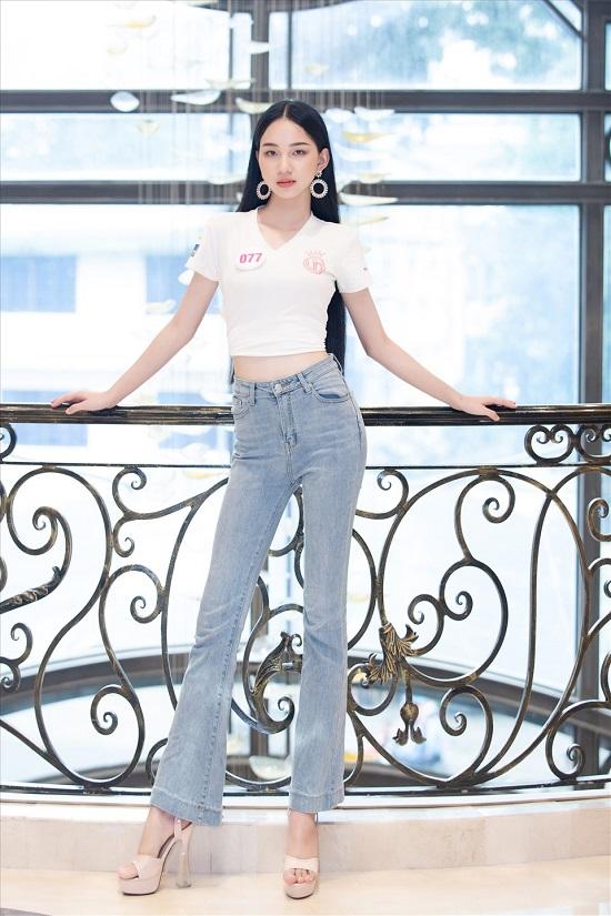Dàn thí sinh Hoa hậu Việt Nam 2020 đồng loạt khoe chân dài, vén áo đọ eo thon trước thềm chung kết - Ảnh 9
