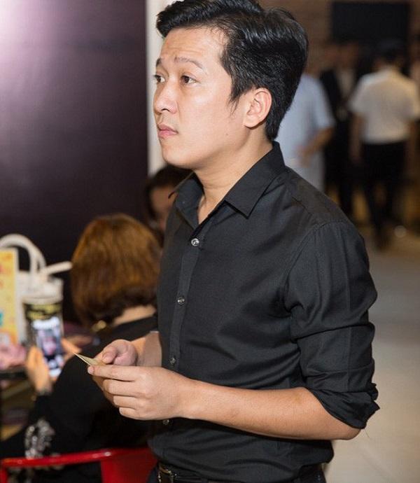 Nhiều nghệ sĩ có mặt để viếng cố nghệ sĩ Chí Tài, ai cũng rơi nước mắt xót xa - Ảnh 4