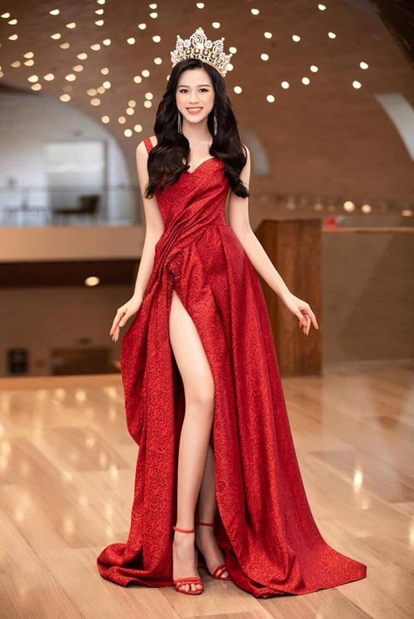 Đỗ Thị Hà chứng tỏ đẳng cấp thân hình ngày càng chuẩn, chinh phục thành công kiểu váy từng để lộ bụng mỡ - Ảnh 6