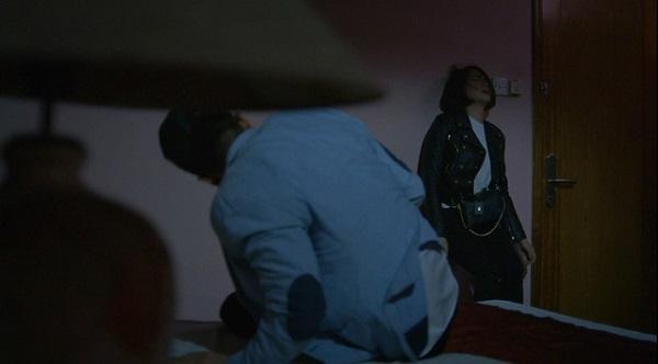 Hướng Dương Ngược Nắng tập 33: Châu đau khổ tột đổ vì bị Vỹ cưỡng hiếp, quay lại clip giường chiếu - Ảnh 2