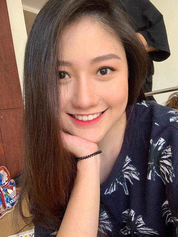 Em gái Trấn Thành gác lại ước mơ diễn xuất, theo học trường đại học đắt đỏ nhất Việt Nam  - Ảnh 2