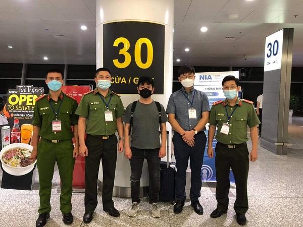 Hà Nội: Bắt giữ đối tượng truy nã người Hàn Quốc đang trốn tại quận Cầu Giấy - Ảnh 1