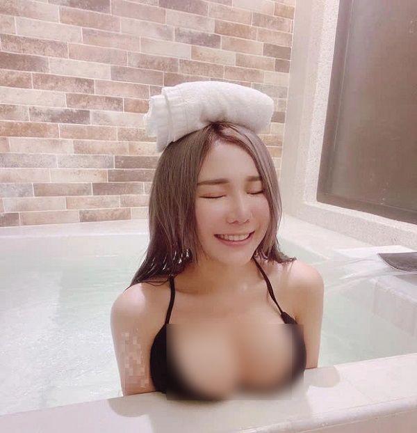Nữ streamer gợi cảm bậc nhất châu Á khoe thân khiến người hâm mộ hoảng hốt - Ảnh 3