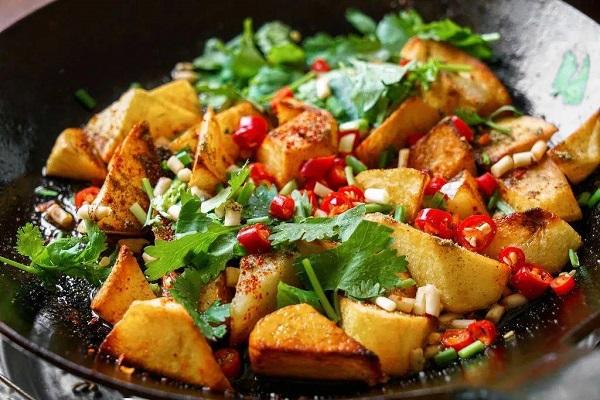 Khoai tây đừng chỉ đem xào, làm theo cách đặc biệt này vừa lạ miệng, vừa thơm ngậy, đậm đà - Ảnh 5