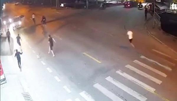 Vụ nam thanh niên bị chém tử vong ở Nam Định: Hỗn chiến vì nghi vợ ngoại tình - Ảnh 1