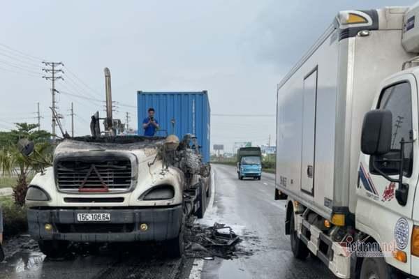xe container boc chay ngun ngut khi dang luu thong tren quoc lo 5