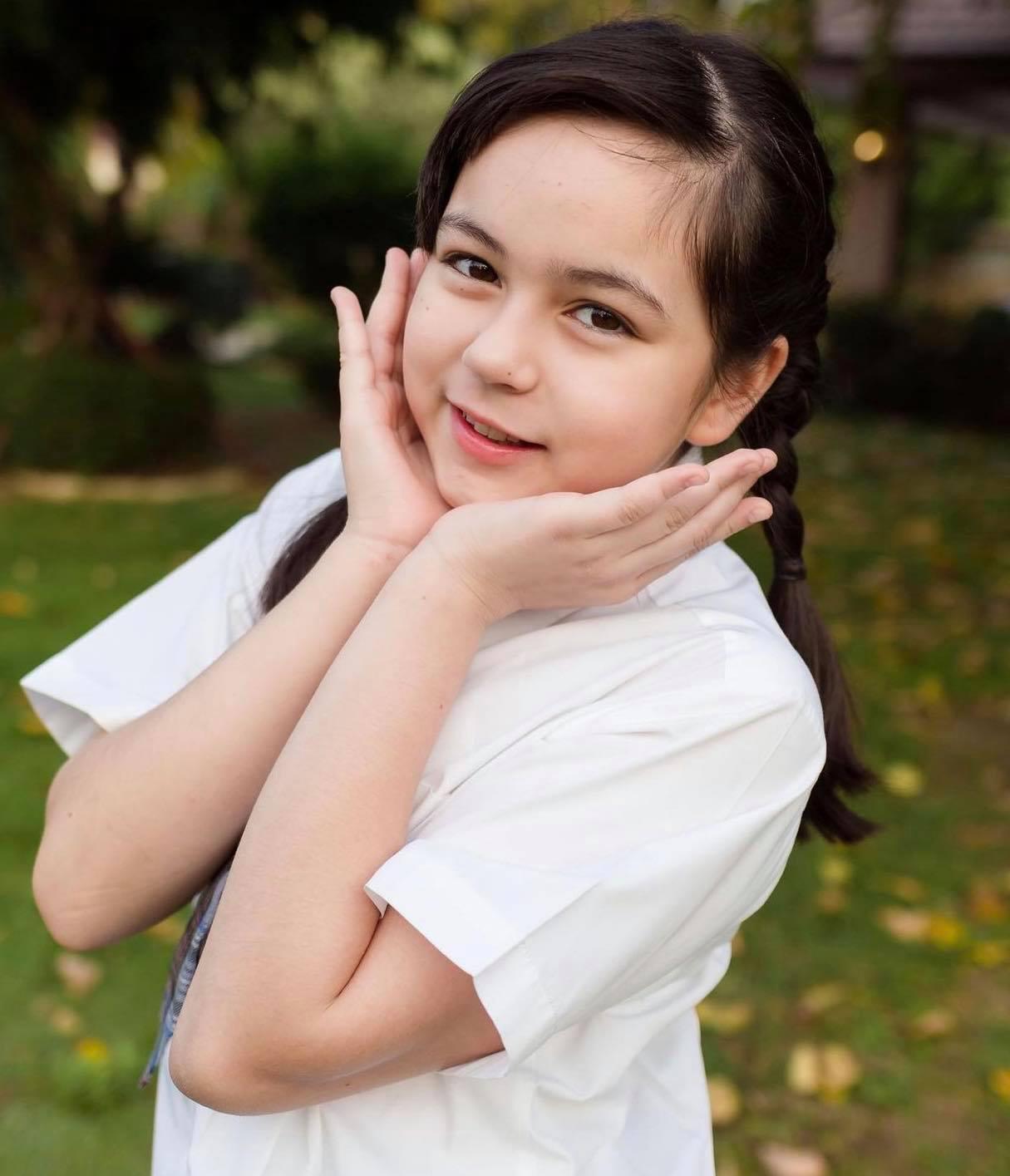 bat ngo voi dung mao hien tai cua thien than nhi duoc khen xinh nhat thai lan 7 nam truoc4