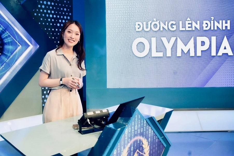 khanh vy gay an tuong voi nu cuoi thuong hieu trong lan dau len song duong len dinh olympia3