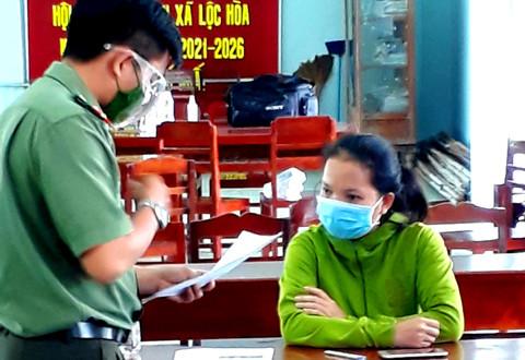 dung facebook mang ten chong dang bai viet chua benh covid 19 tai nha mot nguoi phu nu bi cong an trieu tap