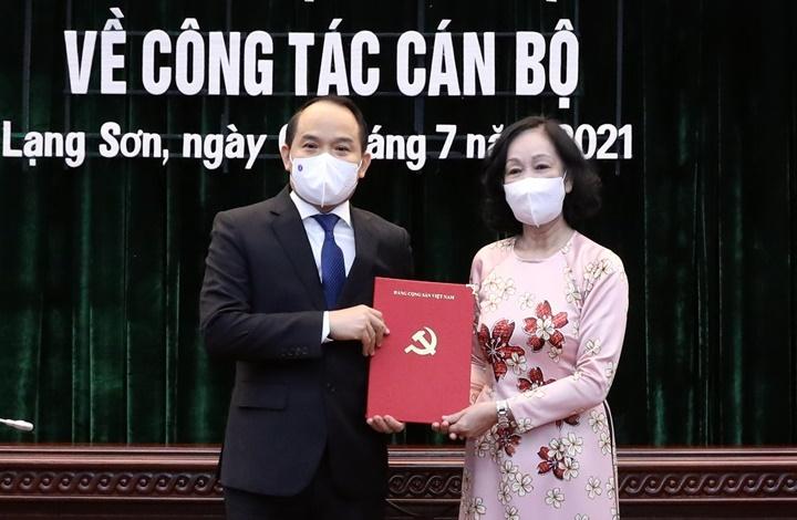 bo chinh tri dieu dong chi dinh 3 tan bi thu tinh uy 3