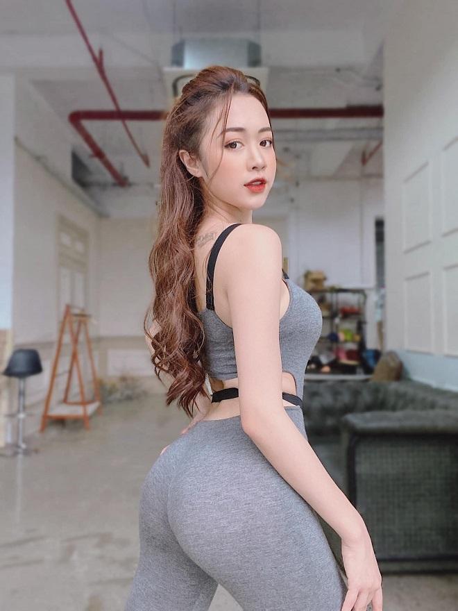 hot girl nong cung euro khien ta ao dai cang chat vi than hinh qua doi boc lua 02