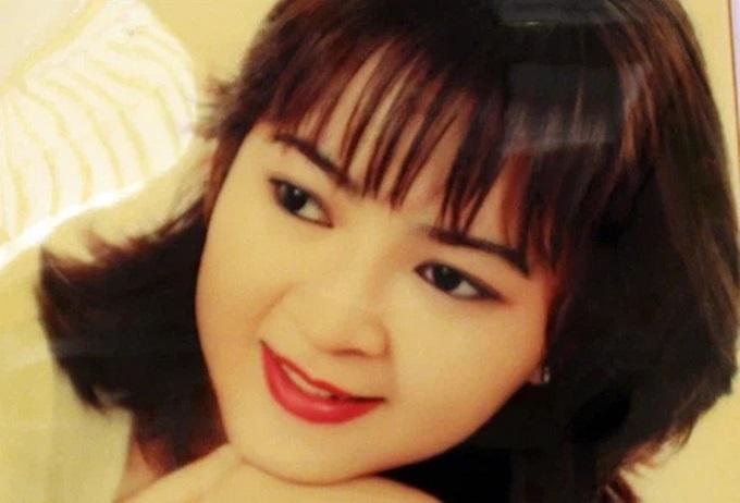 ba phuong hang bat ngo bi nguoi qua duong chup len nhan sac co con long lay sang chanh nhu tren mang 03