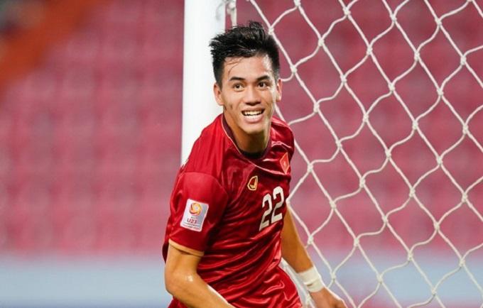 tien linh san bang ky luc cua cuu tien dao le cong vinh tai vong loai world cup 01