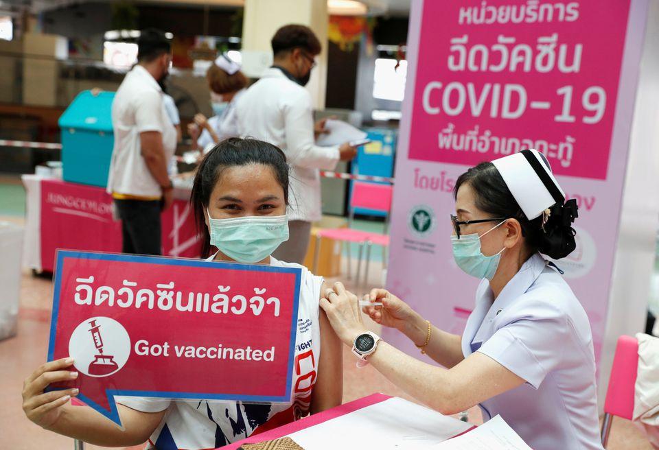 thai lan cho phep tiem vaccine covid19 duoi da thay vi tiem vao co bap dspl
