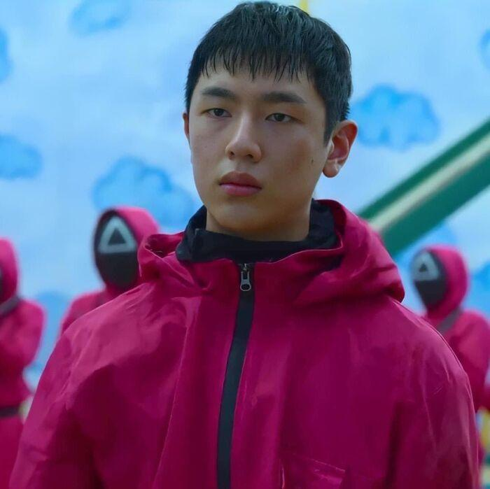 lee jung jun trai dep xuat hien 10 giay trong squid game n2