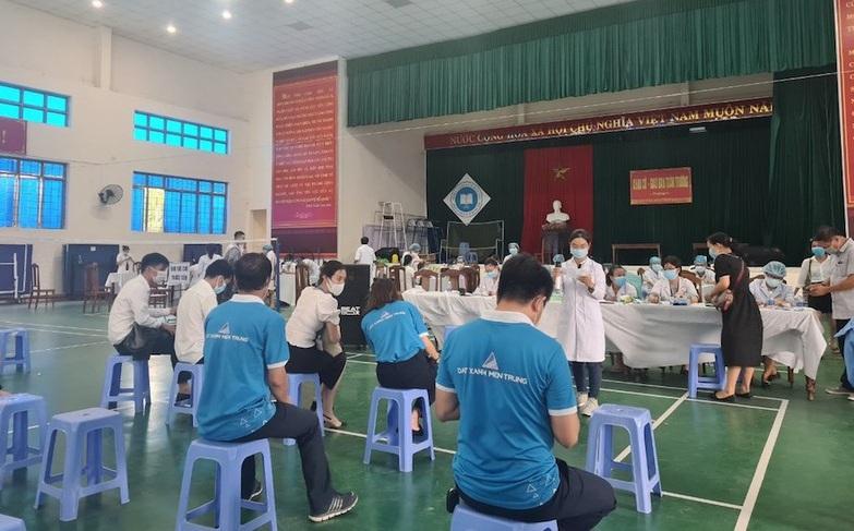 quang nam tiem vaccine cho doanh nghiep bat dong san dspl