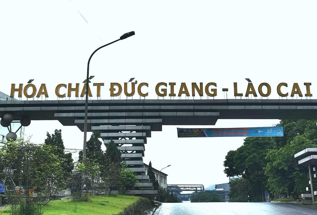 tai san ong chu hoa chat duc phinh to nho co phieu tang phi ma dspl
