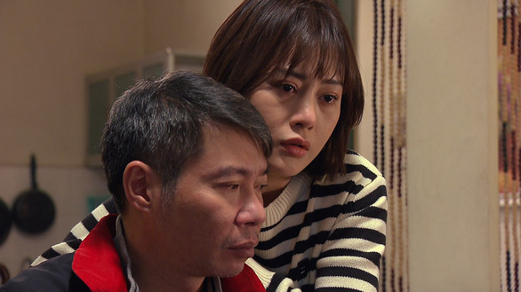 lo ro mat nong 2 cam phuong oanh khong ngai tiet lo chuyen tang can khi dong huong vi tinh than3