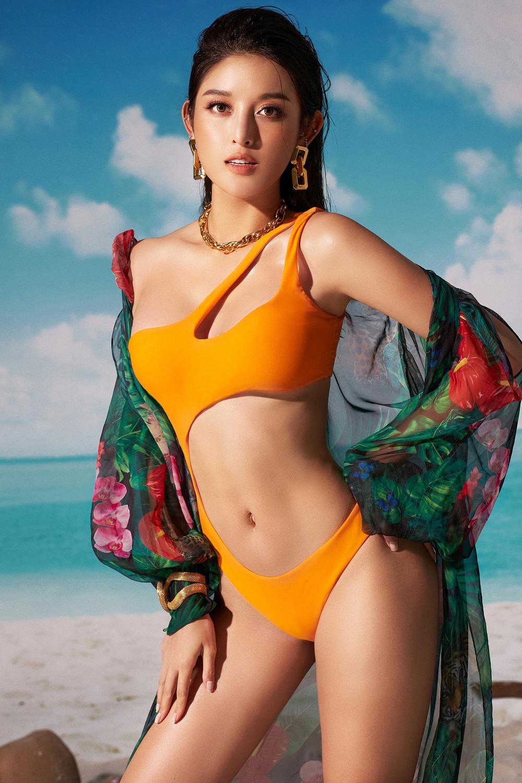 a hau huyen my dien bikini lap lo vong 1 cang day duong cong nong bong thieu dot nguoi nhin12