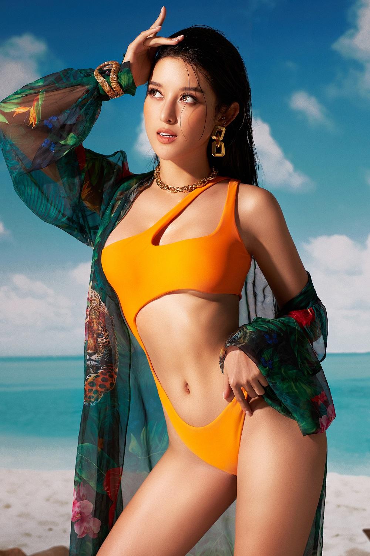 a hau huyen my dien bikini lap lo vong 1 cang day duong cong nong bong thieu dot nguoi nhin22