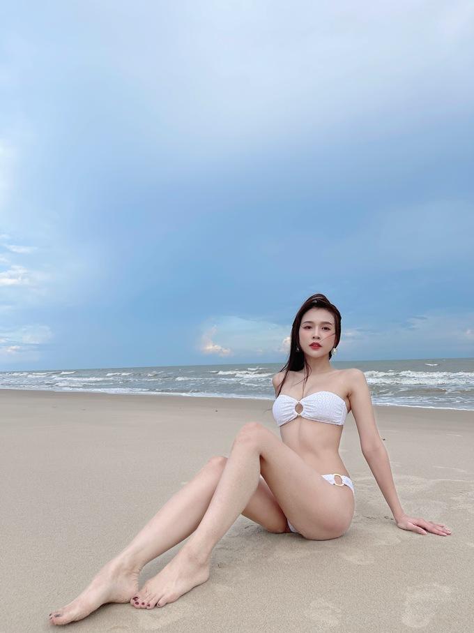 hotgirl sam khoe than hinh boc lua lan da trang non na trong lan hiem hoi dang anh bikini3