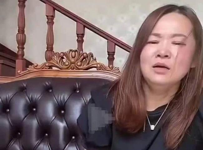 tiktoker nhan lien hoan tat troi giang tu chong khi dang livestream truoc hang nghin nguoi2