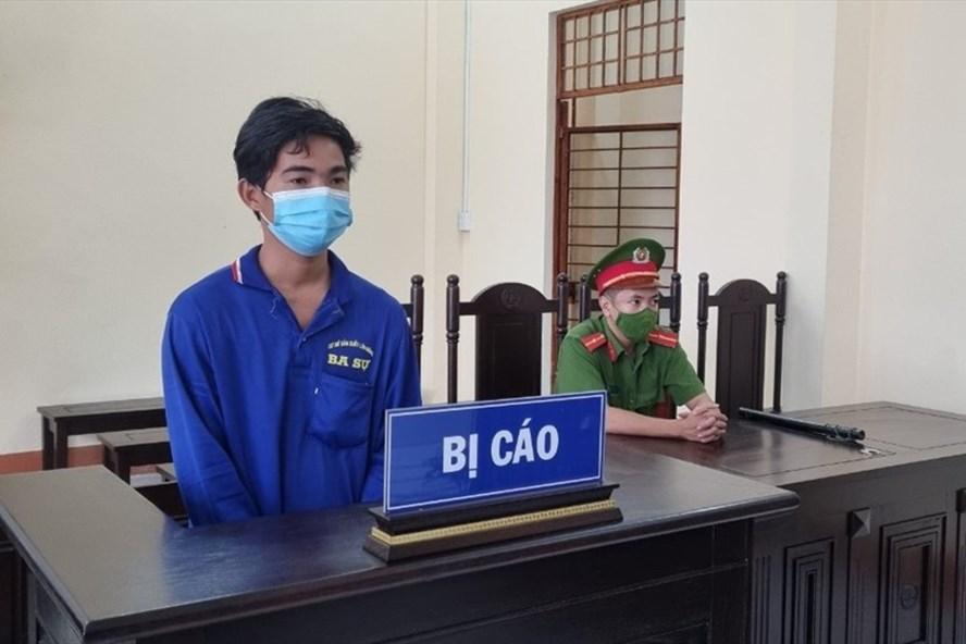 kien giang phat 12 thang tu voi doi tuong hanh hung cong an o chot kiem soat1