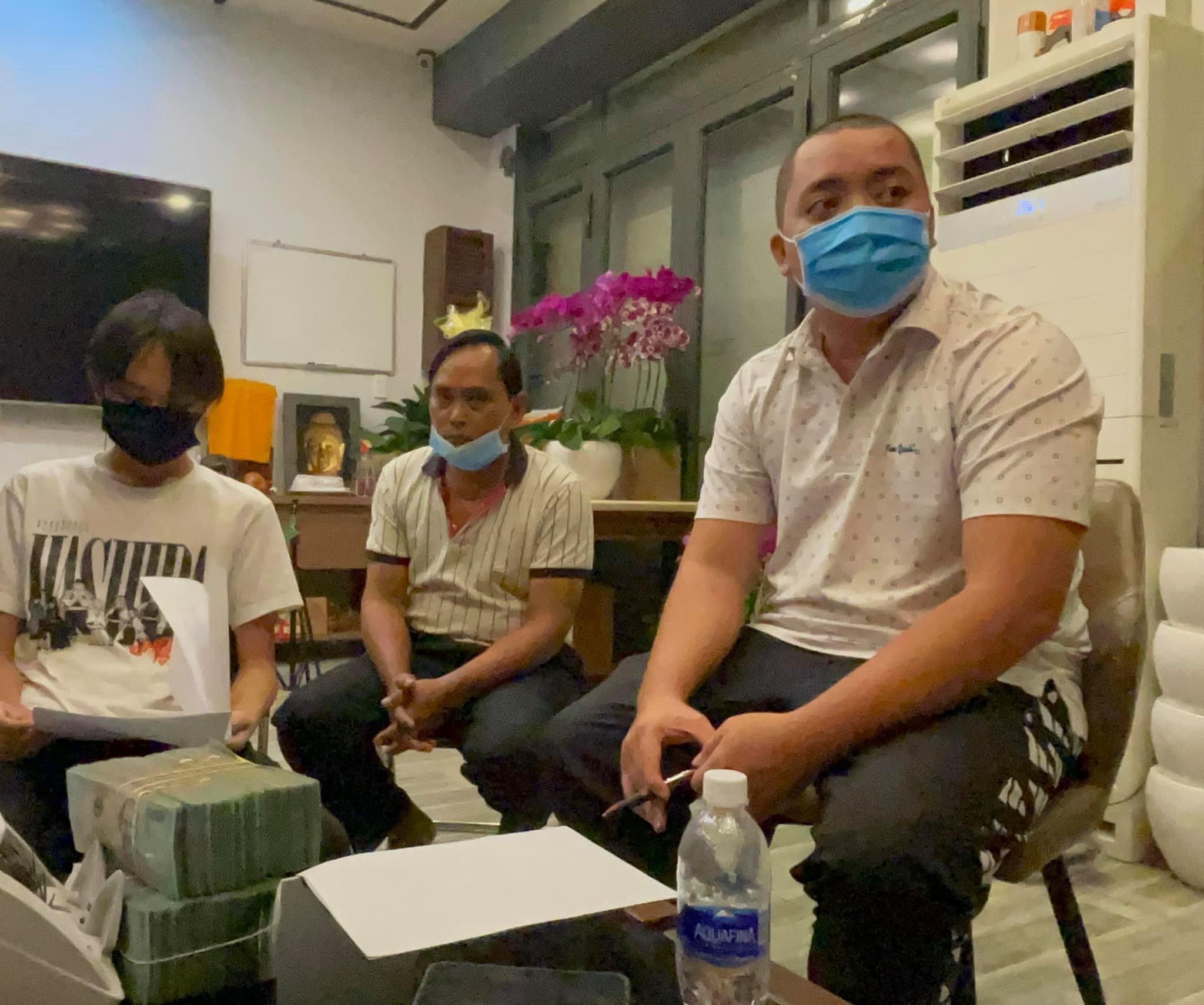 ba nguyen phuong hang co dong thai bat ngo sau khi ho van cuong nhan 500 trieu tien cat xe2