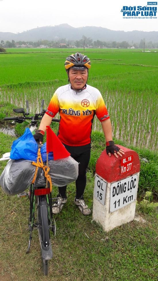 dap xe hon 2000km nguoi dan ong 65 tuoi khien gioi tre than phuc boi su ben bi nghi luc phi thuong dspl 8