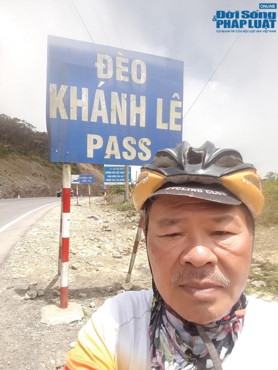 dap xe hon 2000km nguoi dan ong 65 tuoi khien gioi tre than phuc boi su ben bi nghi luc phi thuong dspl 9