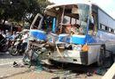 Tin trong nước - Tai nạn liên hoàn giữa 5 chiếc ô tô trên Quốc lộ 1A