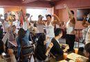 """Ăn - Chơi - Quán café """"cơ bắp"""" hút hồn chị em ở Nhật Bản"""
