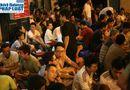 Tin trong nước - Hàng ngàn người Hà Nội đổ ra đường hóng mát