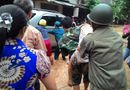Tin trong nước - Cụ ông 81 tuổi đi xem lũ, bị nước cuốn trôi vào cống