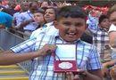Bóng đá - Cay cú, Mourinho ném huy chương bạc cho fan Arsenal