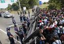 Tin thế giới - Thị trưởng Hungary tung clip như phim hành động, răn đe di dân