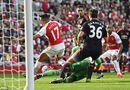 """Bóng đá - Arsenal 3-0 M.U: """"Chết đứng"""" sau 7 phút"""