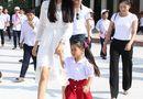 Tin tức giải trí - Hoa hậu Phạm Hương xúc động khi về thăm trường cũ