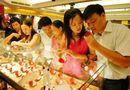 """Thị trường - Vàng giả Trung Quốc vào VN: Nhiều cặp đôi lo """"sốt vó"""""""