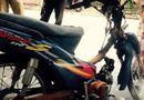 An ninh - Hình sự - Bị CSGT truy đuổi, người vi phạm đốt xe bỏ chạy