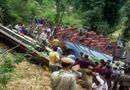 Tin thế giới - Xe buýt lao xuống hẻm núi, ít nhất 30 người thiệt mạng