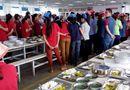 Tin trong nước - Nam Định: Công nhân phát hoảng vì phát hiện cơm có dòi