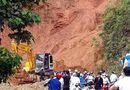 Miền Bắc - Hà Giang: Bốn người mất tích do lở đá