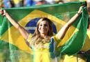 Cổ động viên nữ đội tuyển Brazil lên ngôi nữ hoàng World Cup 2014