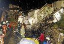 Tin thế giới - Chùm ảnh hiện trường rơi máy bay ATR-72 ở Đài Loan