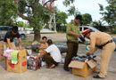 Tin trong nước - CSGT Thanh Hóa bắt giữ xe khách chở đầy thuốc kích dục