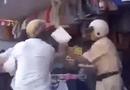 Cộng đồng mạng - Clip: Dân lao vào hành hung CSGT giữa đường