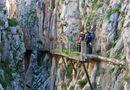 Tin thế giới - Cận cảnh lối đi bộ bên vách núi rùng rợn nhất thế giới