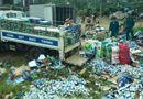 Tây Nguyên - Lật xe tải trên quốc lộ 20, 1000 thùng bia đổ xuống đường