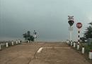 Video-Hot - Clip: Bắn vỡ đèn tín hiệu giao thông chỉ để… vui